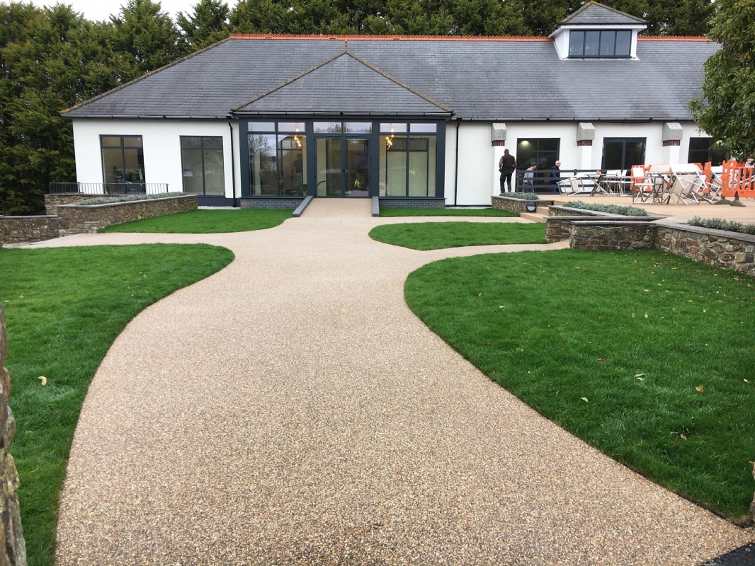 Oltco Resin Bound Gravel Driveway Specialists make a dramtic entrance with resin bund gravel