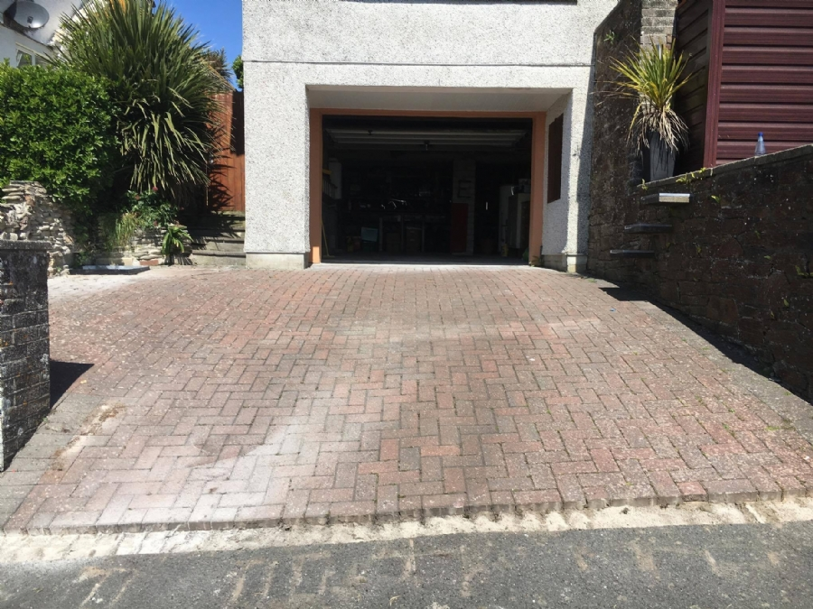 Replacing Brick Driveways and Patios