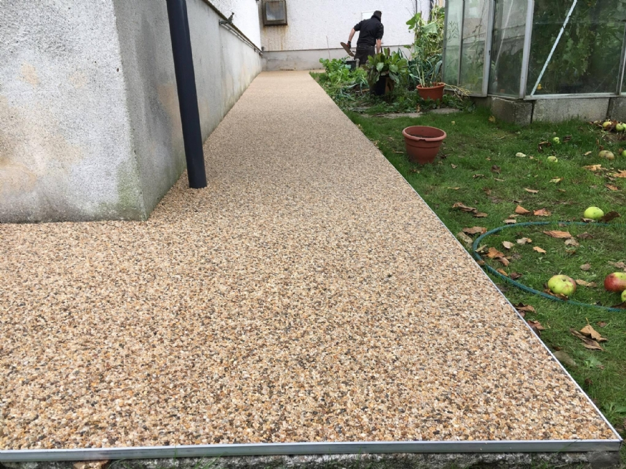 Driveway, Paths and Patios all resurfaced in resin bound gravel