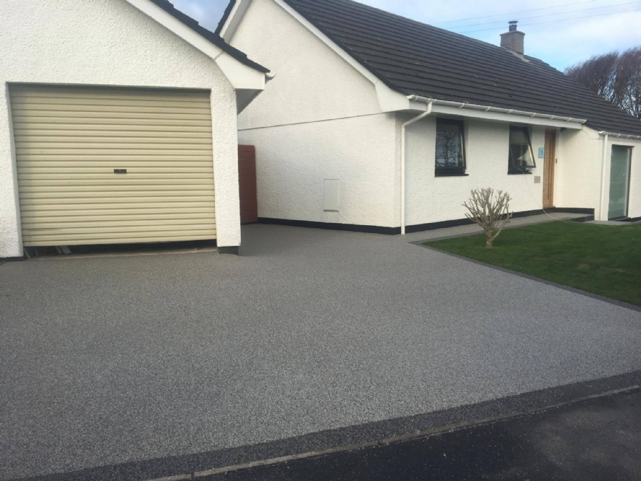 New resin bound gravel driveway in Cornwall