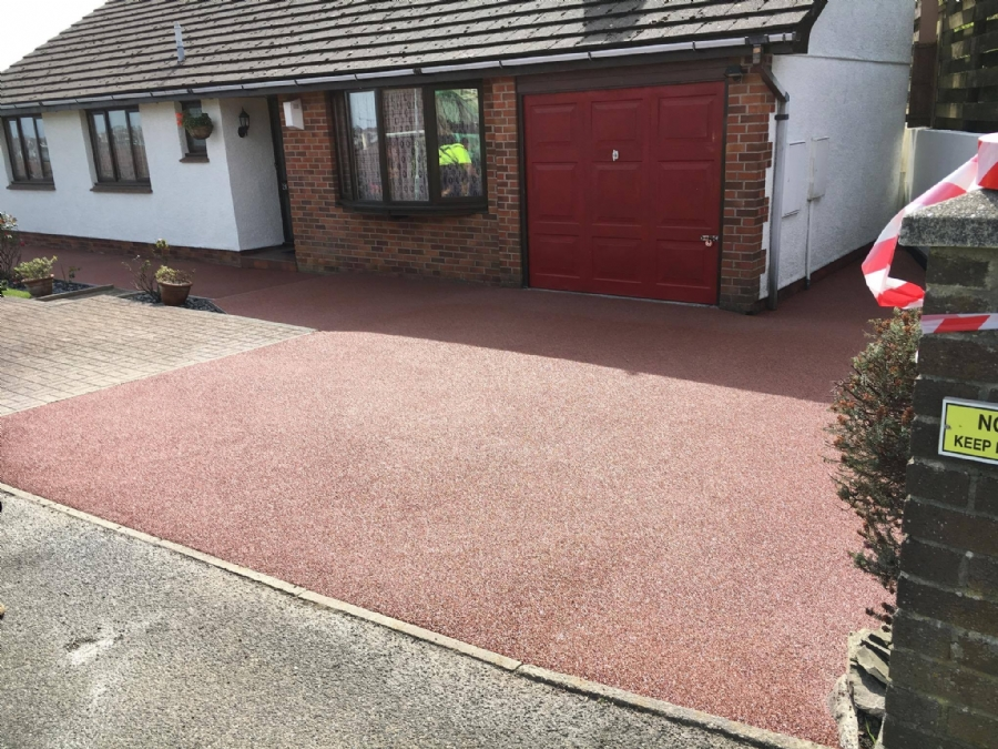 Cornish Copper to tidy up a driveway