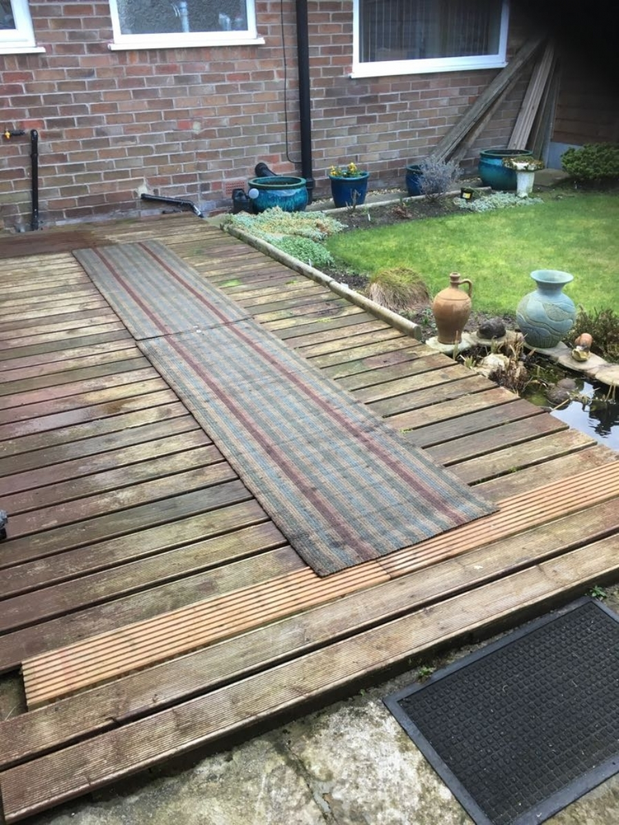 The only solution for slippery Decking