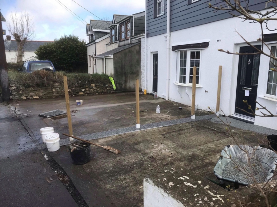 Sectioning a Driveway with resin bound gravel
