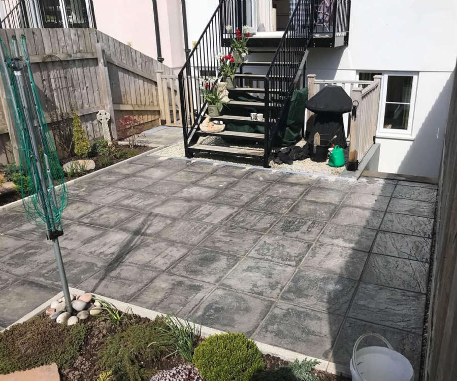 Resin bound gravel sun terrace
