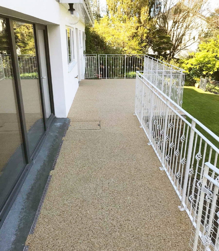 Paving for balconies