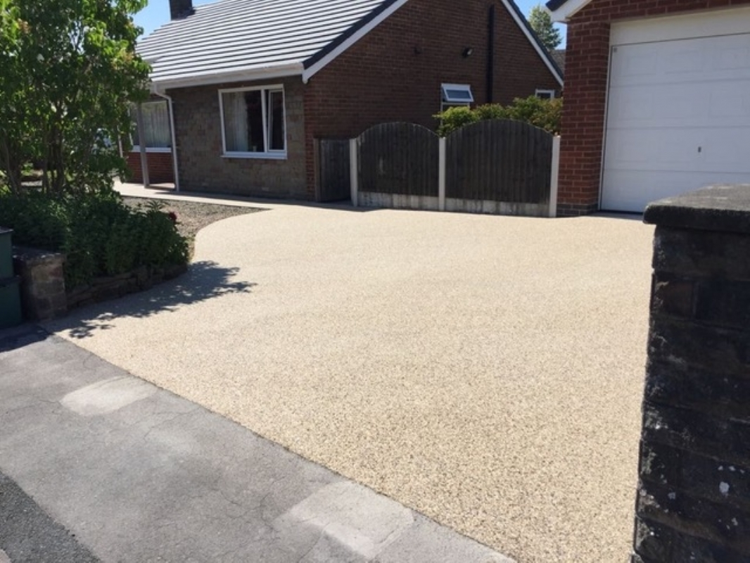 Oltco Resin Bound Gravel Driveway Specialists in Blackpool Lay a new driveway