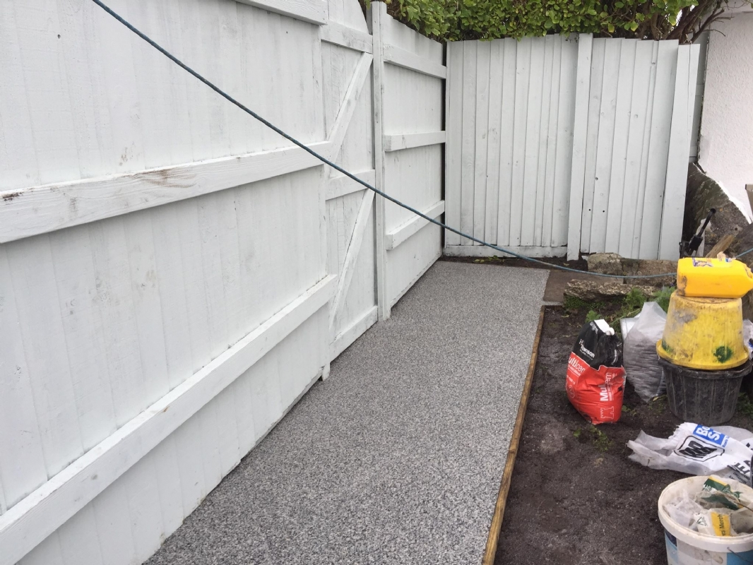 Oltco Resin Bound Gravel Driveways Cornwall | Projects | Kernow Granite Oltco Resin Pathway