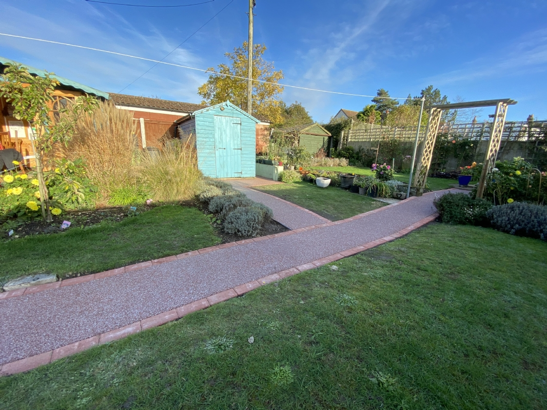 Sustainable resin driveway company, Oltco Colchester, installs anti-slip pathway in Colchester