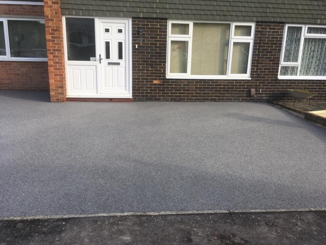 Sustainable resin driveway company, Oltco Portsmouth, installs a Recycle Bound driveway in Gosport