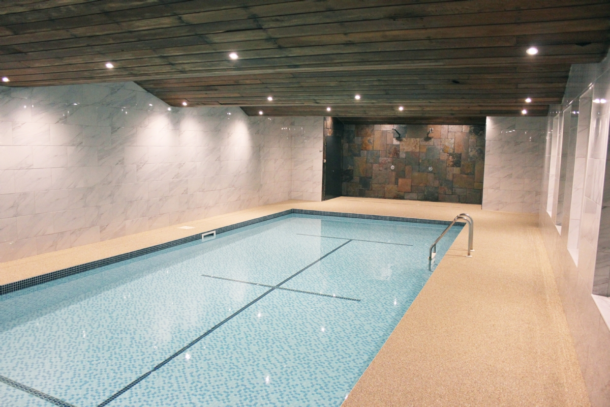 Oltco Resin Bound Gravel Specialists | Porous Floor l Swimming Pool ...