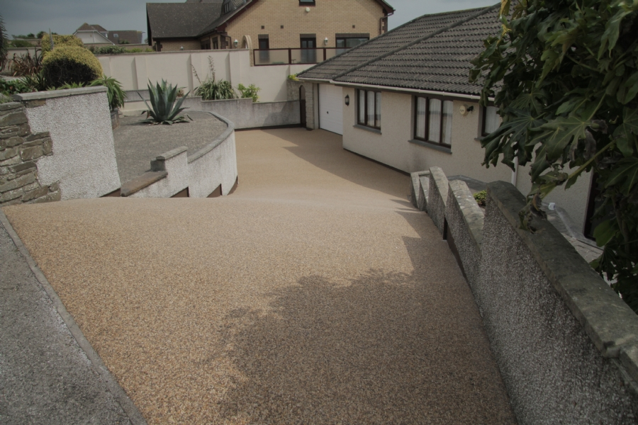 Resurfacing a steep driveway with resin bound gravel