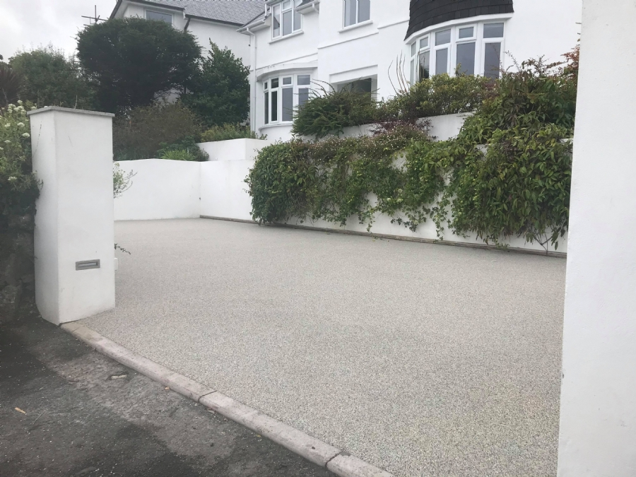 Clean and Contemporary finish for Modern St Ives Property!