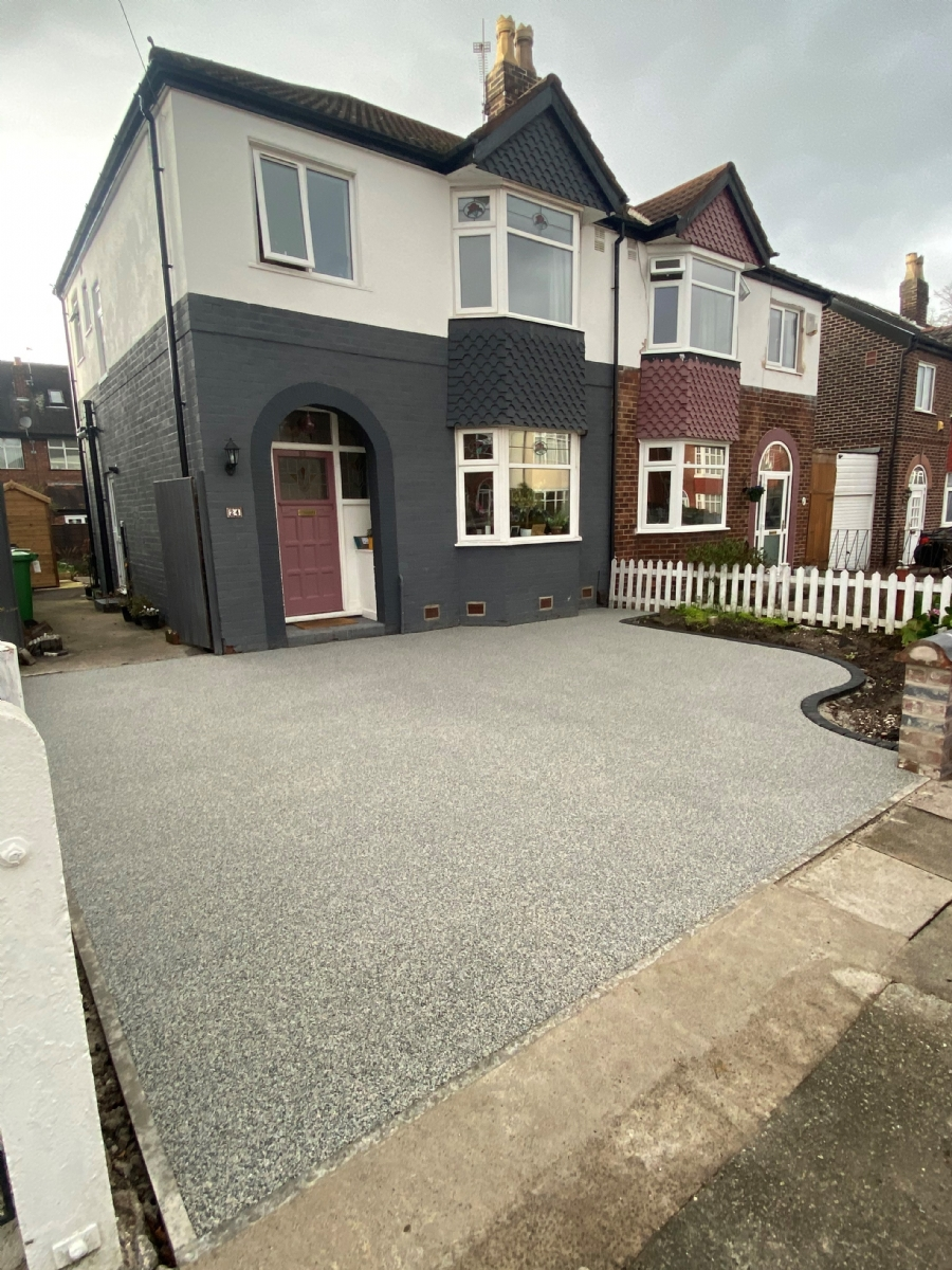 Oltco Altrincham installs Recycle Bound driveway in Manchester